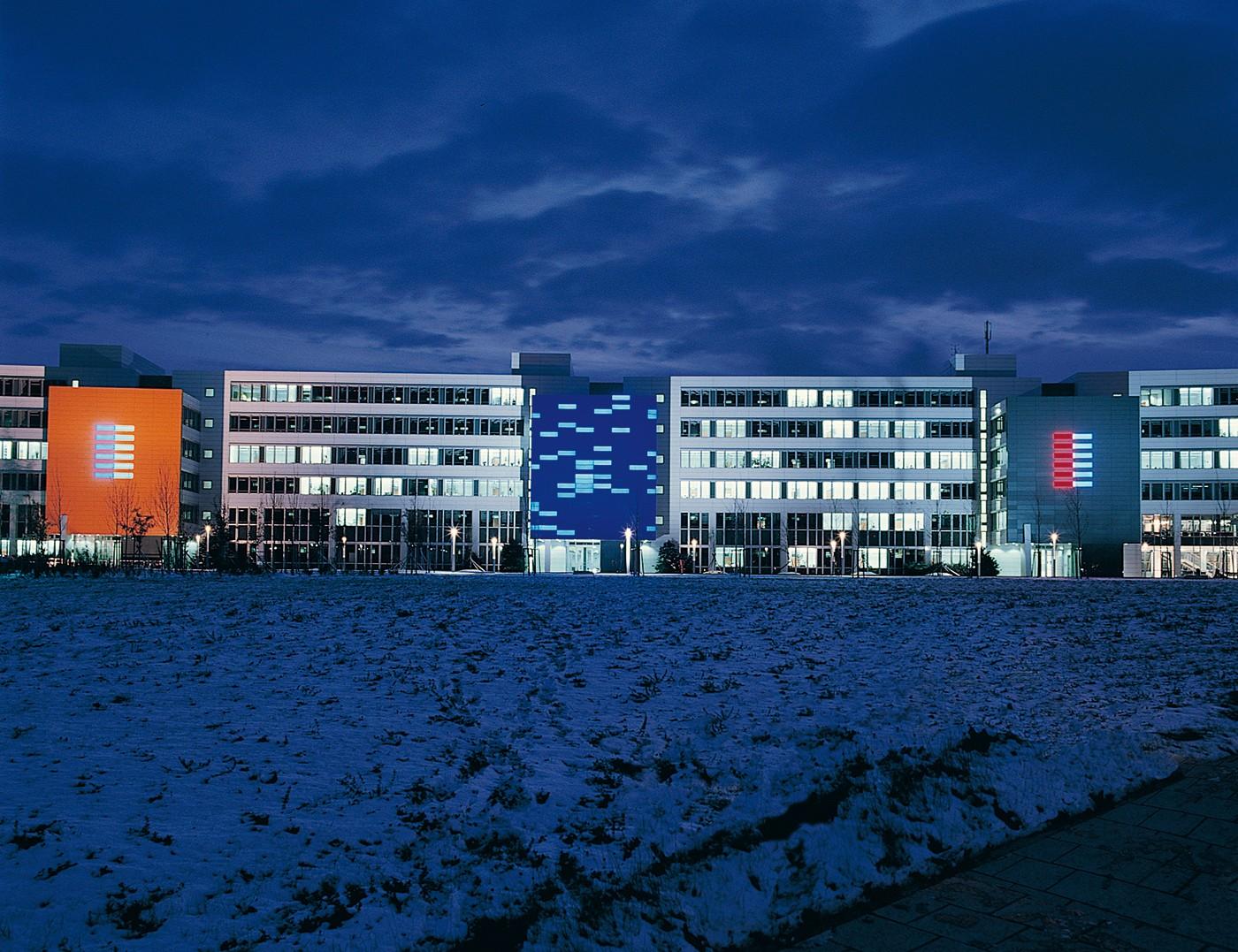 Drei Lichtfassaden, 1998